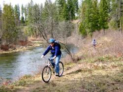 Hiking & Biking – Christina Lake
